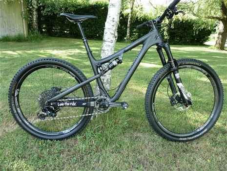 Rocky Mountain Thunderbolt BC Edition, Small 650b Carbon Wheels, Sram Eagle 1x12
